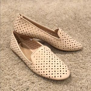 Old Navy - Cream Loafers